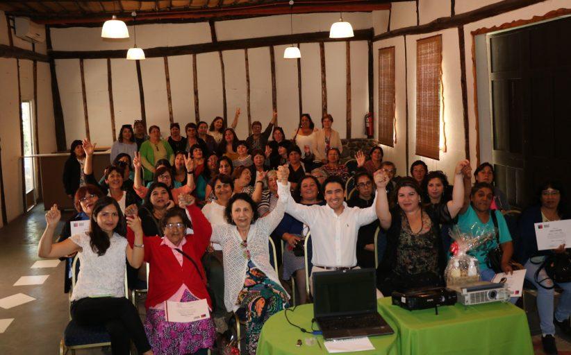 Gobernador Patricio Urquieta destaca la Agenda Mujer impulsada por el gobierno, en acto de certificación convenio Indap – Prodemu en la provincia del Huasco